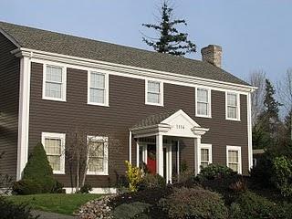 A home on High School Rd on Bainbridge Island
