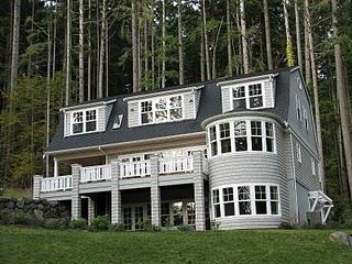 A home on Listening Lane on Bainbridge Island