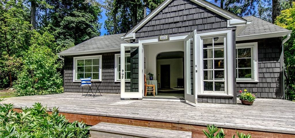Blakely Ave on Bainbridge Island Sold by Jen Pells in 2020